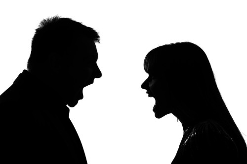 bandw-man-and-woman-arguing