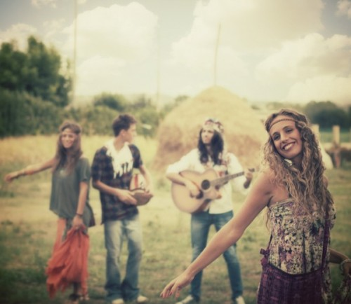 hippies-free_-love_-600x521