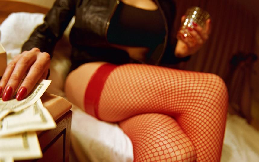 prostitute_2159543k