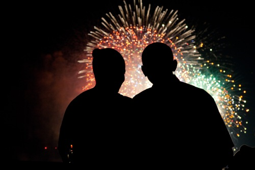 president_and_first_lady_obama_watch_fireworks_07-04-09