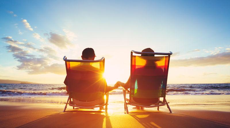 couple-on-beach-800
