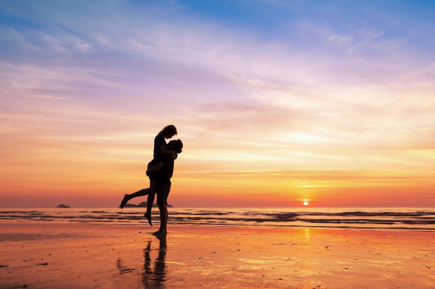 photographer-finds-couple-she-took-proposal-pics-of